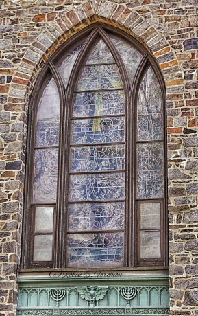 Church Window - Grid/Rule of thirds