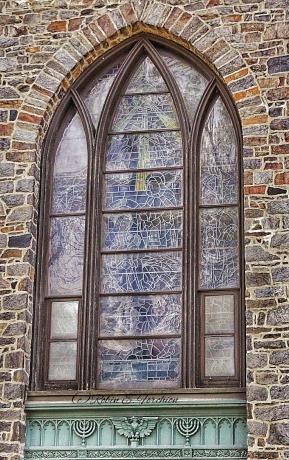 Church Window - Grid/Rule of thirds