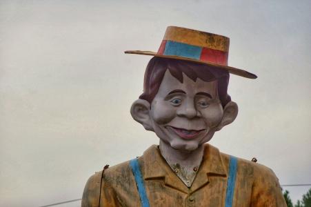 Mr. Bill's famous Landmark - face of Alfred E. Neuman